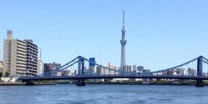 清洲橋とスカイツリ-